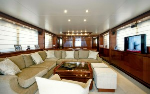Sanlorenzo 88 GPS for charter