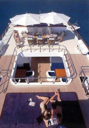 Superyacht Illusion for charter
