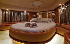 So Chic Azimut 62 for charter